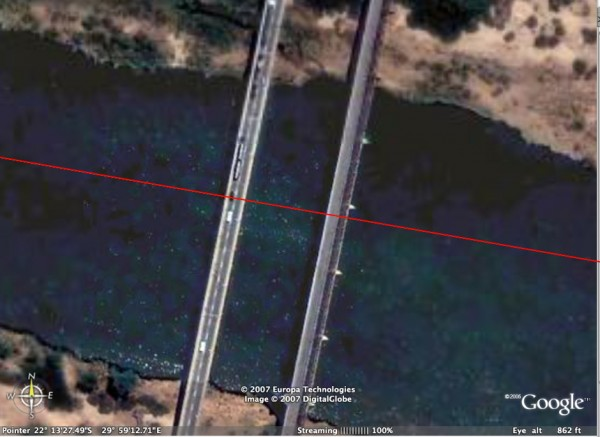 Google Satellite image showing the border bisecting the two bridges at the Beitbridge border between Zimbabwe and South Africa